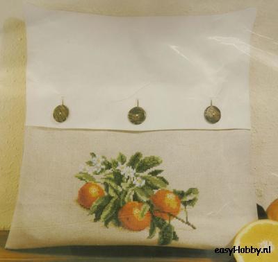 Kussen met knopen, Sinaasappelen