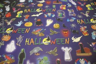 Halloween karton met diverse halloweenafbeeldingen